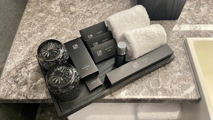 The Clan Hotel Deluxe Room bathroom amenities